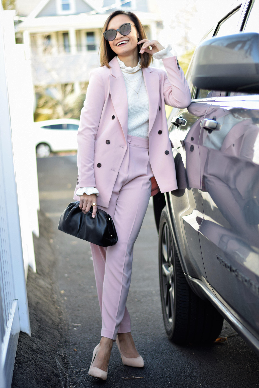 pinksuit_2021april_1